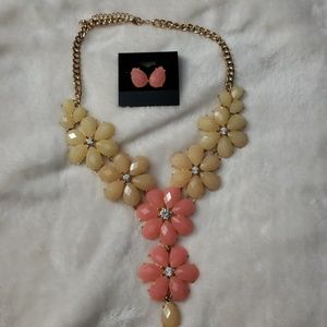 Jewelry - Statement Necklace Flower w/matching earrings